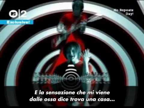 White Stripes - Seven Nation Army (Con sottotitoli in Italiano e coro da stadio poo po po poo)