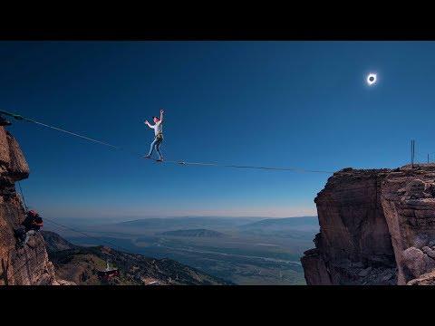 Highlining During the Solar Eclipse!   Alex Mason