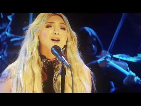 "Julia Michaels ""Issues' on the Tonight Show w/ Jimmy Fallon"