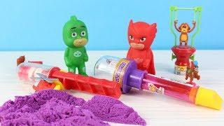 Pijamaskeliler Baykuş Kız Kertenkele Renkli Kinetik Kum Kesme Oyunu Oynuyor Eğlenceli Video