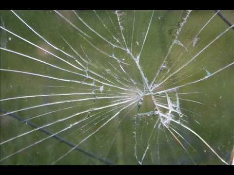 фото разбитого стакана
