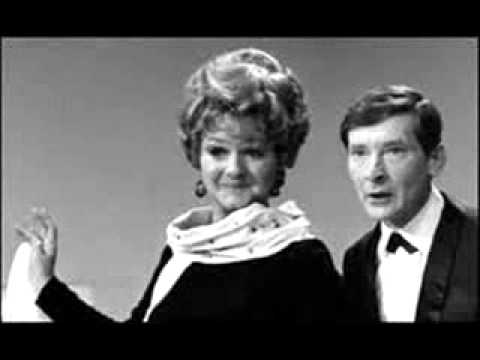 Joan Sims - Hurry Up Gran / Oh Not Again Ken (1963)