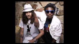 Shwayze - Dirty Little Girl (ft The Knux) [06 - Let It Beat]