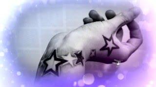 Татуировки на запястье у людей.
