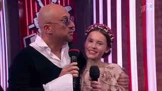 Горожане готовятся поддержать севастопольскую участницу шоу «Голос. Дети» Веронику Сыромля