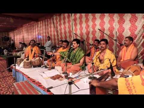 Ayyappa Bhajana by Namakhoshalahari Vishwaroopa Bhajana