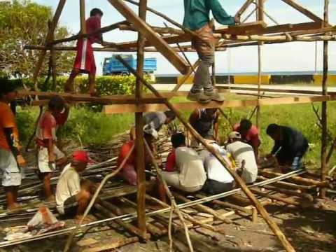 Building native hut (Pt 3) in Malinao, Garcia Hernandez, Bohol, Philippines