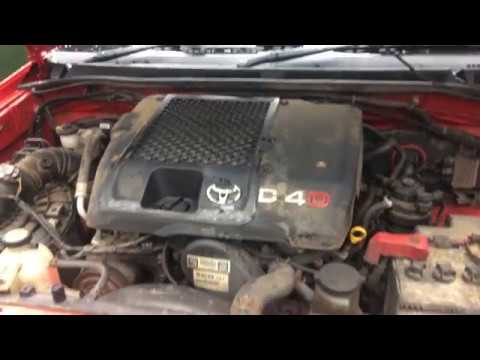 2007 Toyota Hilux / Vigo 3 0 D4D 1KD-FTV Turbo diesel engine start up + rev  sound