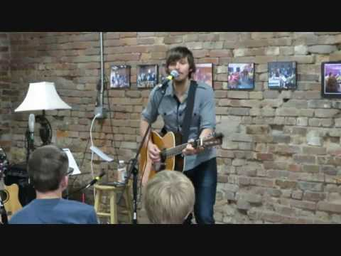 Charlie Worsham performs 'How I  Learned to Pray' at the Quest Center 052816