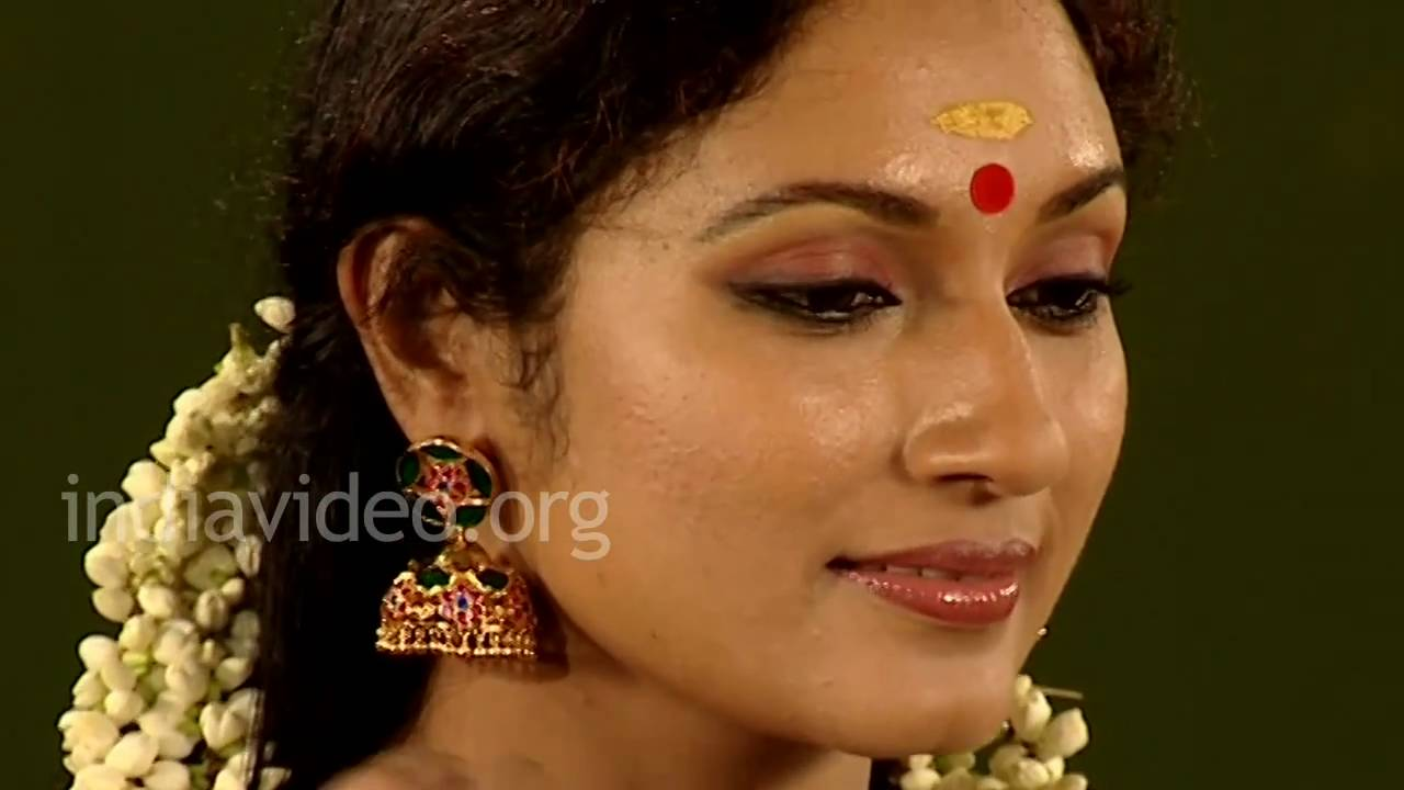 Hair adornment with jasmine garland lifestyle kerala youtube izmirmasajfo