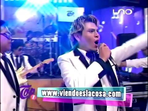VIDEO: AMÉRICA POP - Back In Black (en vivo Top Uno) - WWW.VIENDOESLACOSA.COM - Cumbia 2016