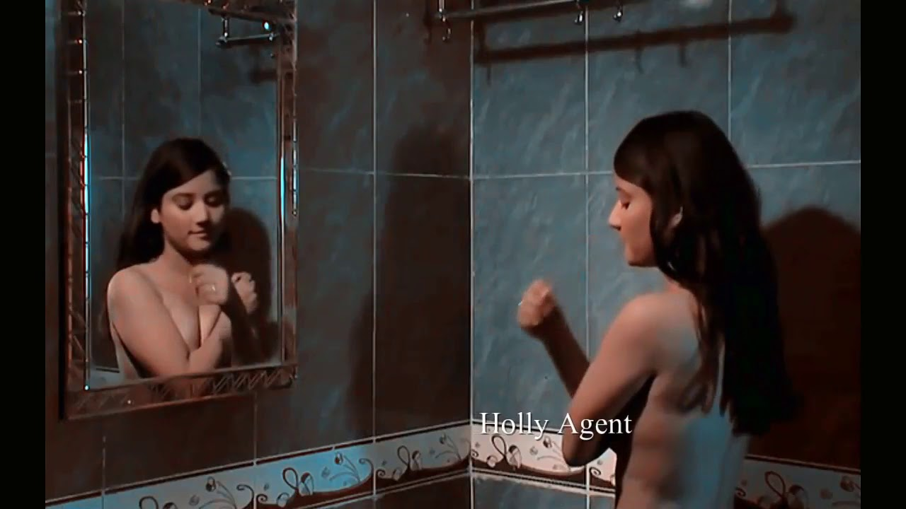 Download Hot Indian College Girl changing dress and bathing