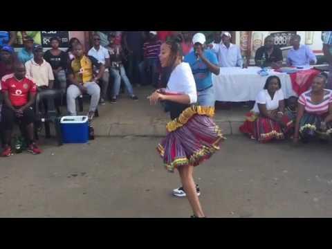 Shomdjozi dancing xibelana