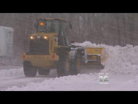 Heavy Snow, Winds Make Roads Slick Around Chicago Area