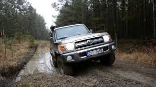 TOYOTA LAND CRUISER HZJ 76