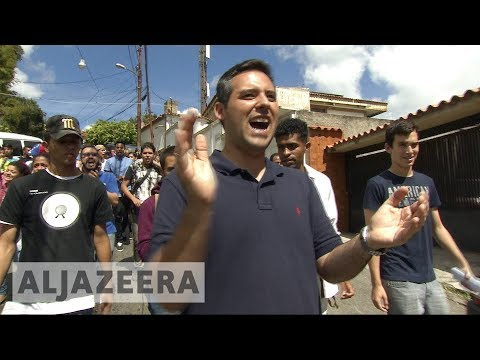 With split opposition, Venezuela socialists to gain from vote