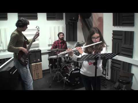 Lara Meco flauta transversal It's my Life Bon Jovi acomp. prof. João Francisco prof. Miguel Duarte Março 2013