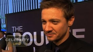 Jeremy Renner and wife split after 10 months - Hollywood TV