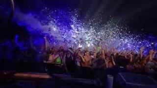 Foam Wonderland: The Ultimate Foam Party Experience | Neon Beach Tour 2015