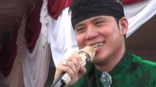 Download lagu DHIMAS TEDJO Cs SRGK PENDOPO KANG TEDJO MP3