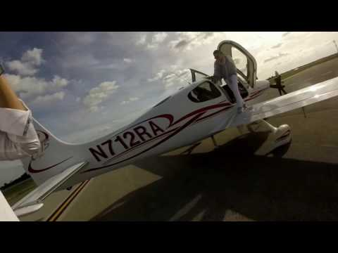 Cirrus SR22 Flat Tire During Taxi for Takeoff at Orlando Executive Airport