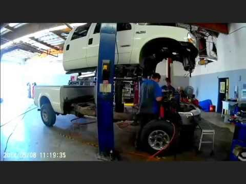 Ford Powerstroke 6 0l Lifting Cab And Pulling Heads In 1 1