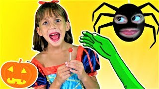 Halloween Song 🎃 for Kids! Yummy Halloween Treats Song