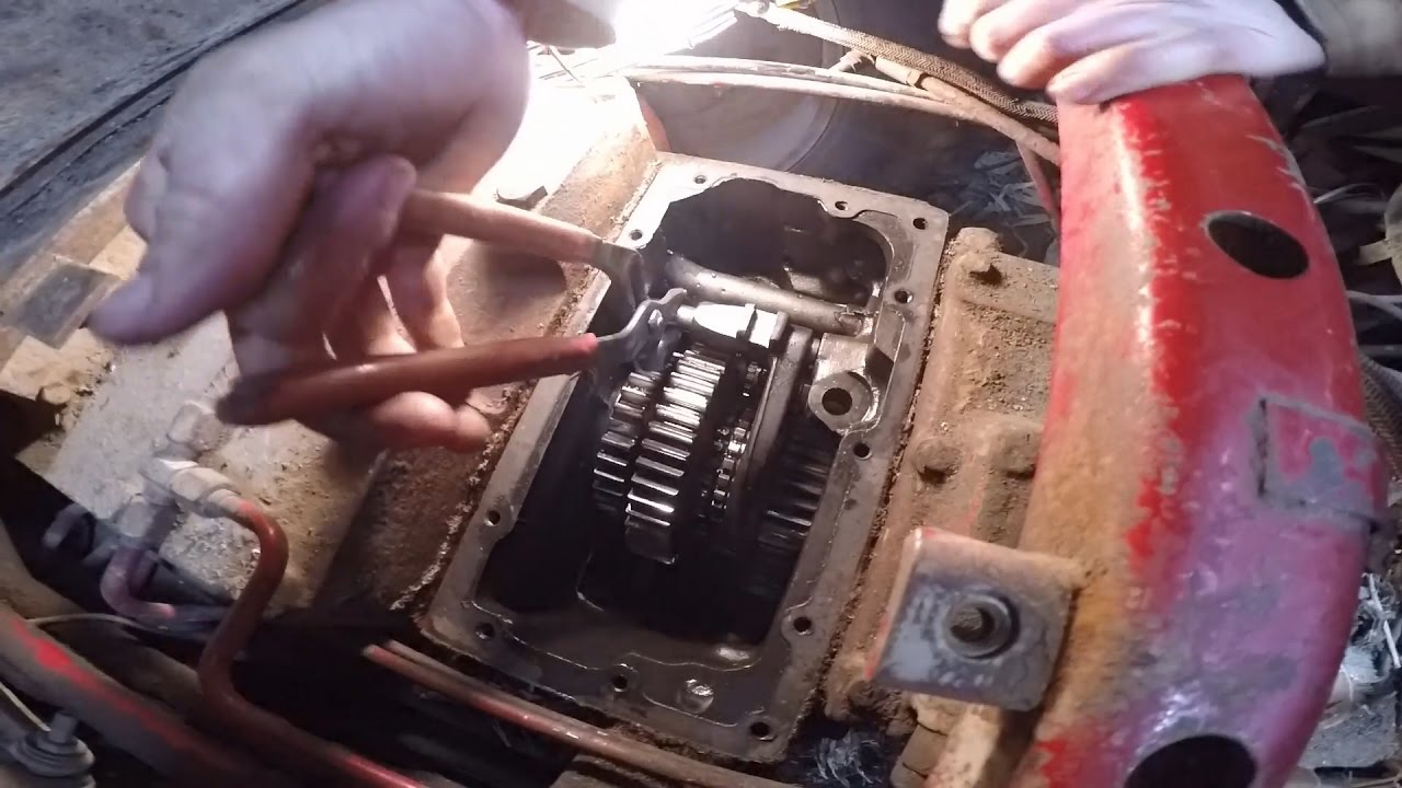 hight resolution of ih 1086 removing side and high low shift transmission cover