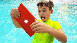 Max esconde el MacBook Pro y iPad de papá en el agua