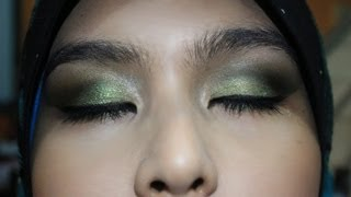 green smokey eyes with glitters