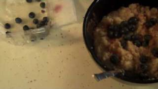 Vegetarian Recipes : Quick Blueberry Cinnamon Oatmeal