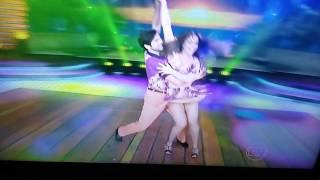 Viviane Araújo dança dos famosos lambada