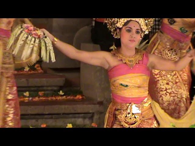 Puspa Mekar Dance Balerung Stage Peliatan (Tirtasari)