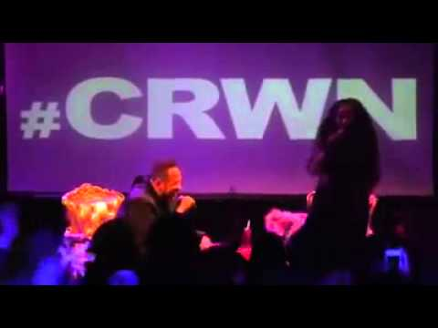 Nicki Minaj Freestyles with fans at #CRWN 2014