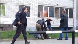 Нападение пьяных тюменцев на полицейских