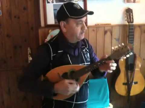 Luciano al mandolino: La ragazza del pireo