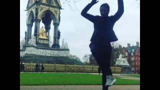 Любовь Толкалина сходит сума в Лондоне