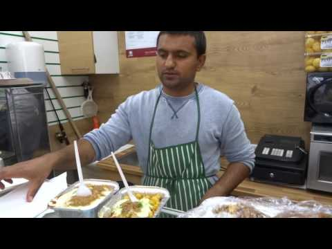 Buying A Samosa Chaat At One Of The Cheapest Indian Street Food Shops In London & The UK At Eat More