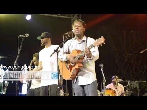 Fally iPUPA feat LOKUA KANZA et Olivier TSHIMANGA sur le même podium pour le 20ans de carrière...