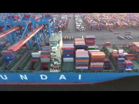 Containerterminal Altenwerder Rundflug mit Phantom 4 (schnell)