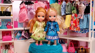 Fashion boutique ! Elsa & Anna toddlers are shopping for dresses - Barbie - LOL