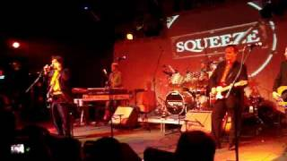 "Squeeze ""Black Coffee in Bed"" live at Starland Ballroom, Sayreville, NJ 8/6/2007"