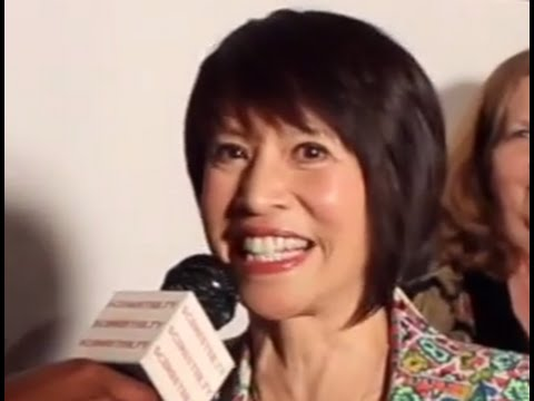 Futurama AMY & more LAUREN TOM Interviews at I Know that Voice Movie Premiere