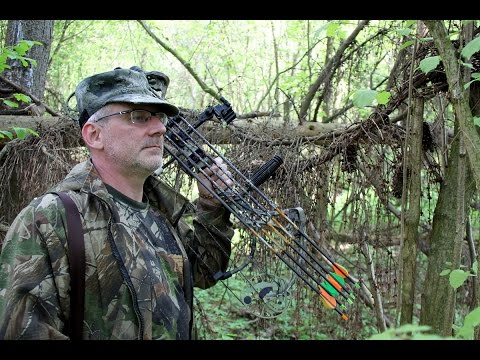 Bear Archery - Охота с блочным луком на зайца с 50 метров, стрельба с огибанием препятствия