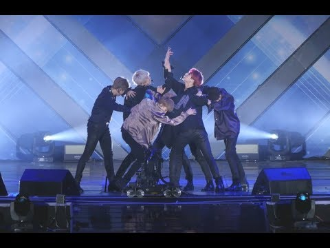 180622 방탄소년단 (BTS) 'FAKE LOVE' [4K] 직캠 Fancam (2018롯데패밀리콘서트)) by Mera