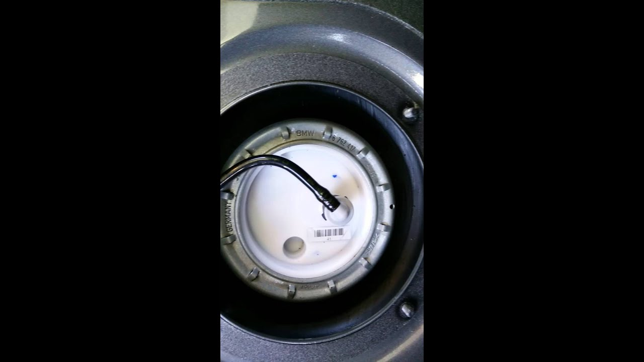 BMW E60 528i - noise from a nd new fuel filter. - YouTube