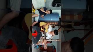 Thành phố mưa bay cover guitar