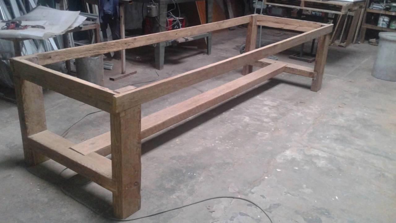 Fabricacion de mesa rustica a mano youtube - Como hacer una mesa de ordenador ...