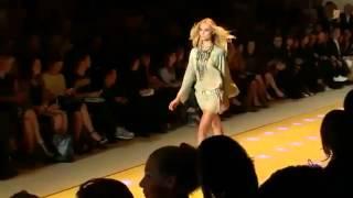 Versace ➤ Spring/Summer 2013 Full Fashion Show Thumbnail