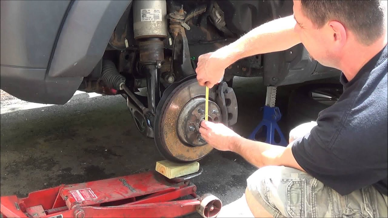 7 4 14 how to replace the front lower control arms on a Land Rover